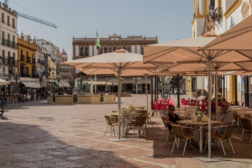Une terrasse à Ronda