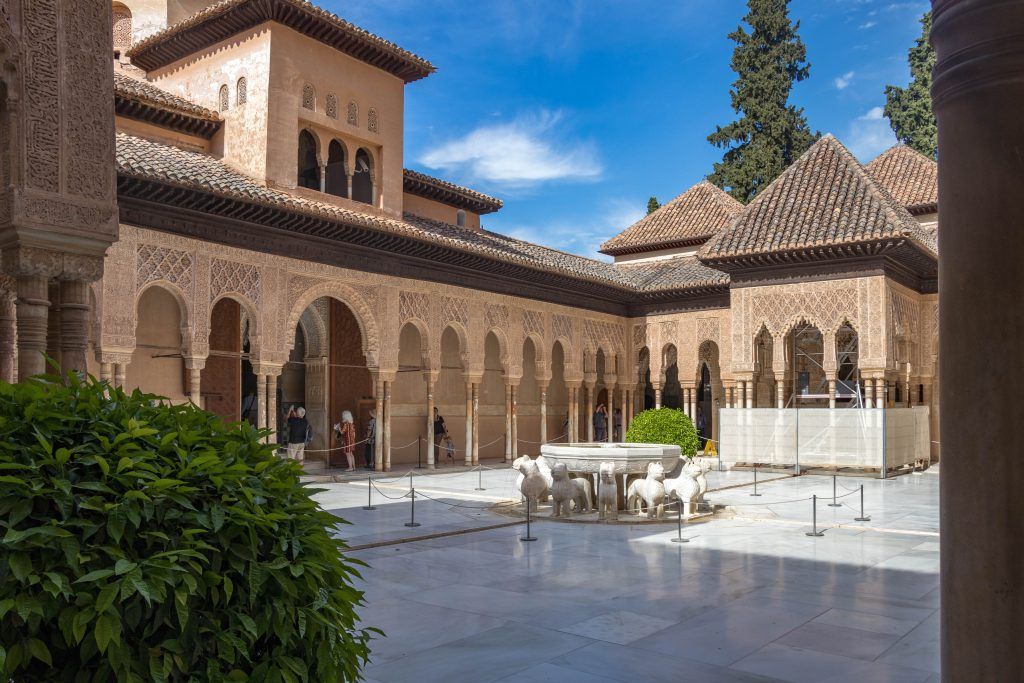 Le Patio de los Leones de l'Alhambra