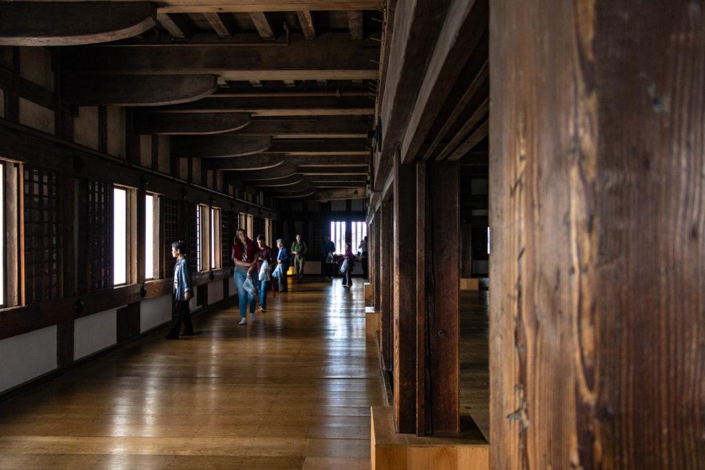 A l'intérieur du château d'Himeji au Japon