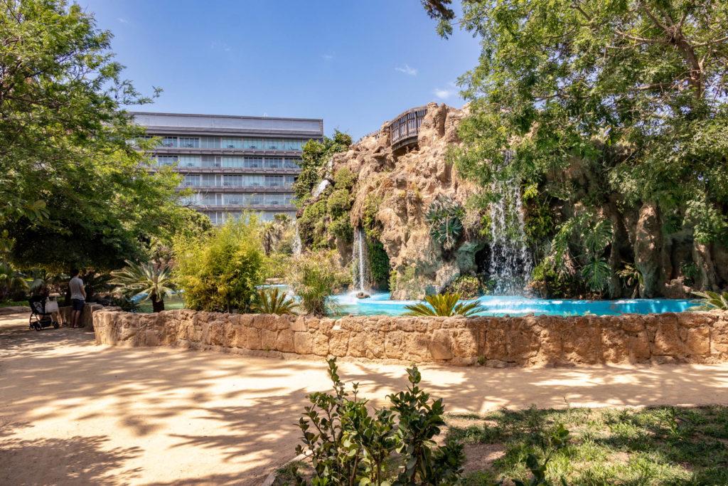 Le parc Genoves et sa cascade