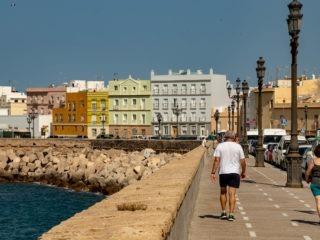 Le bord de mer à Cadiz