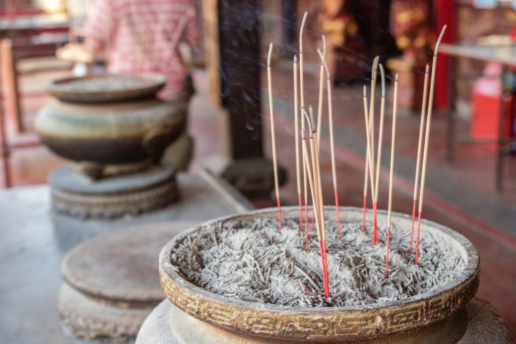 Encens dans temple Chinois à Malacca