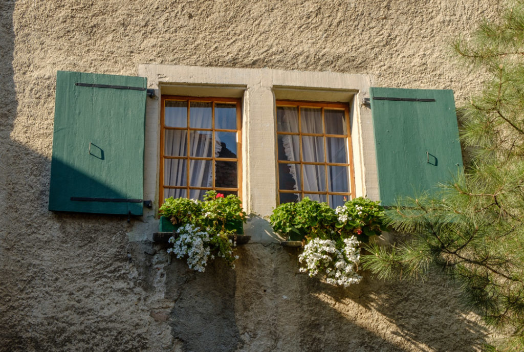 Cliché d'une fenêtre à St-Saphorin