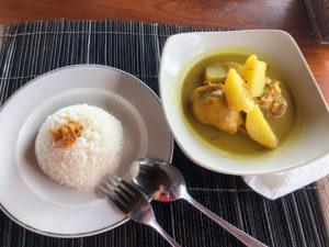Poulet curry à Munduk