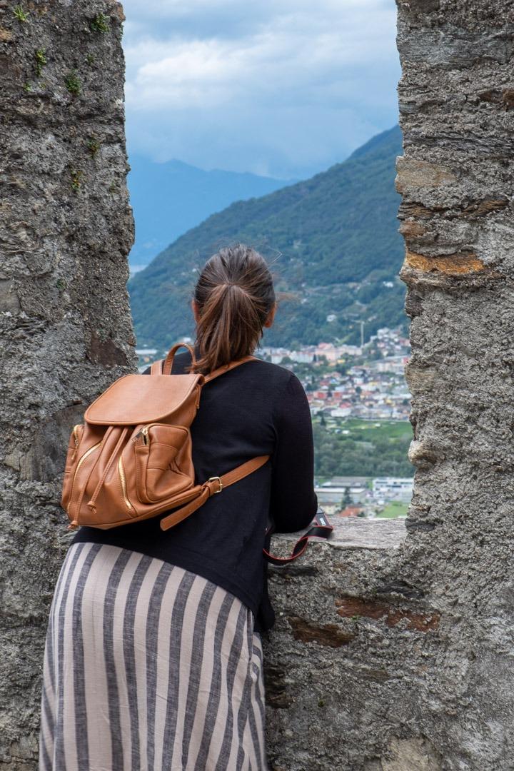 Depuis le château de Sasso Corbaro, on profite d'une belle vue sur Bellinzone et les environs.