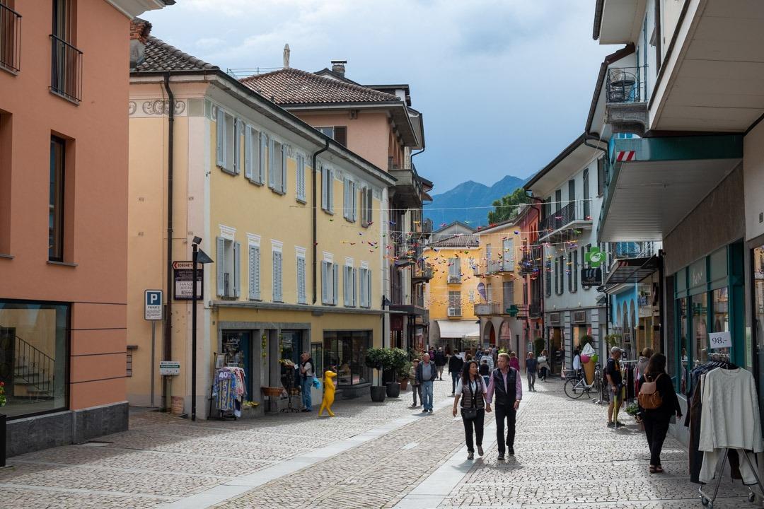 La petite ville d'Ascona et ses façades colorées.
