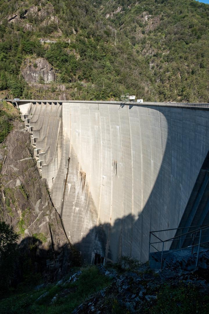 Le barrage de Contra fut le lieu de tournage de James Bond 007