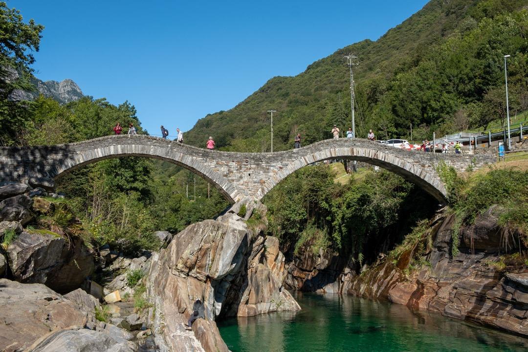 Le pont des Sauts près du village de Lavertezzo