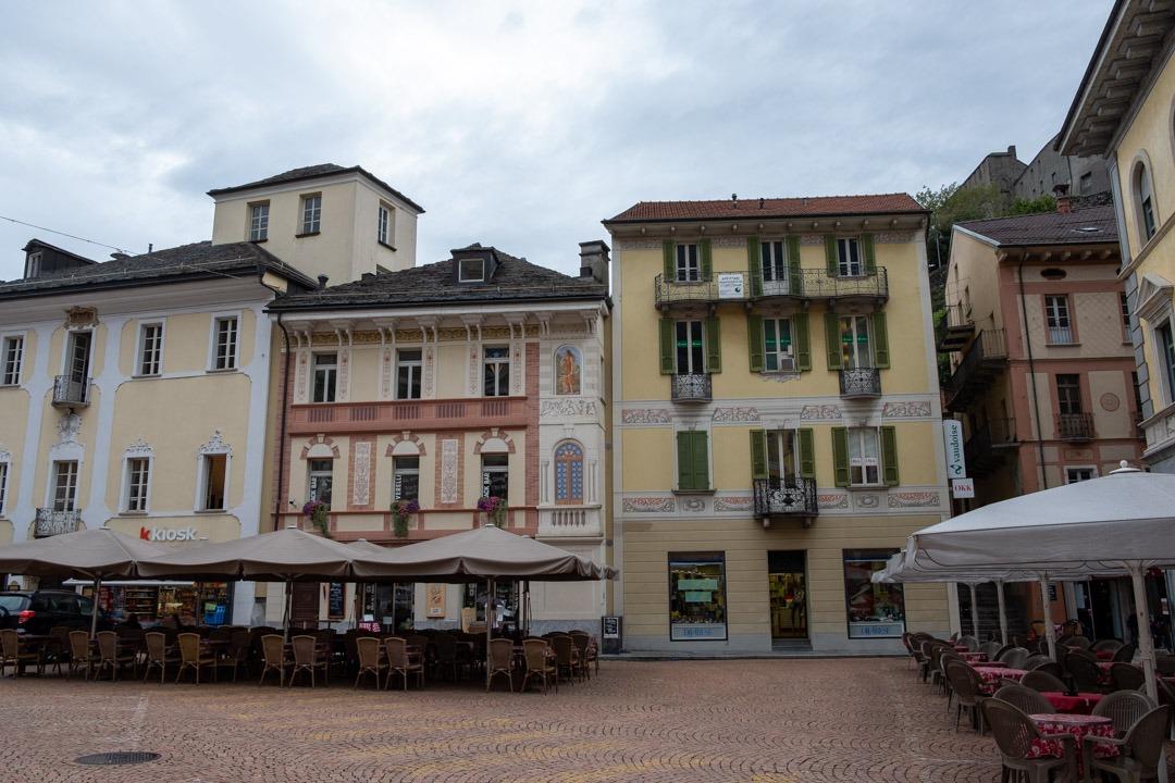 La ville de Bellinzone dans le canton du Tessin