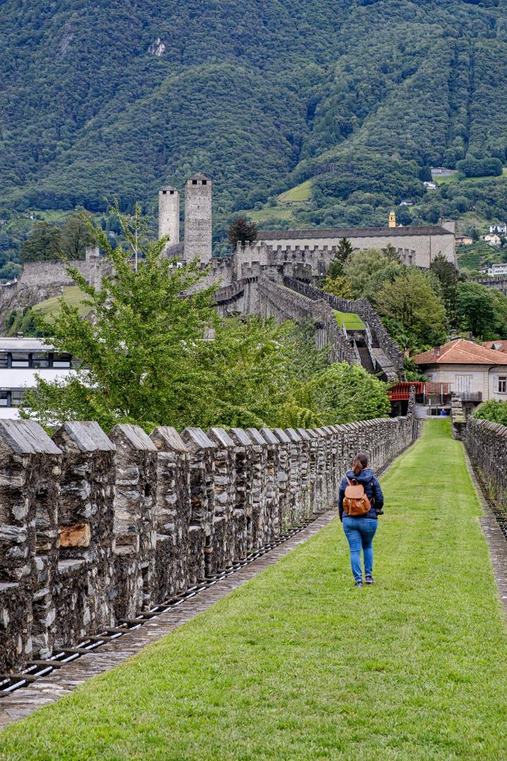 Promenade sur la Murata afin de rejoindre le château de Castelgrande