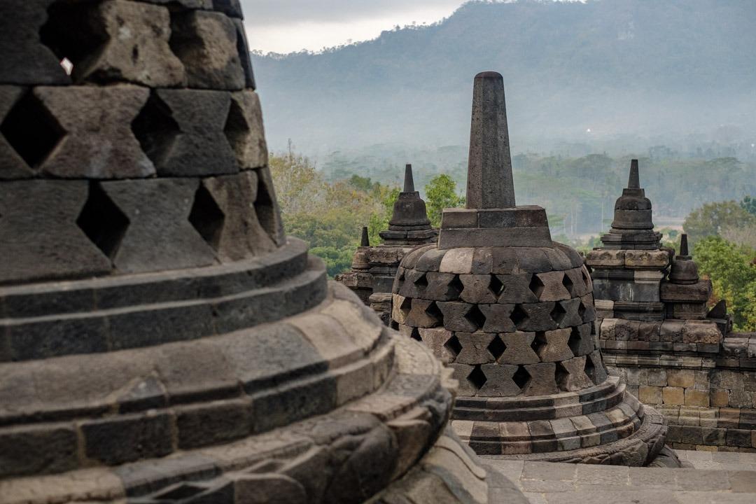 Les stupas du temple de Borobudur