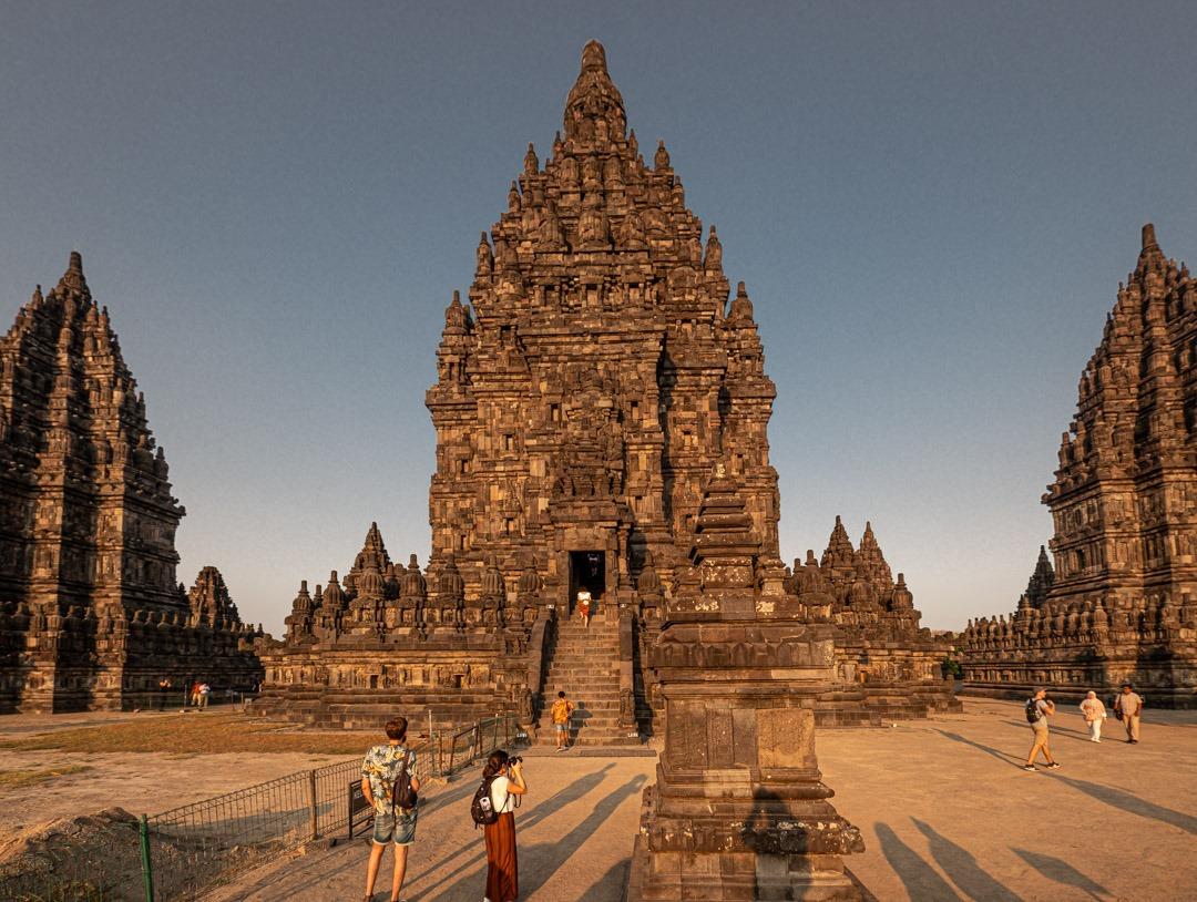 Le temple de Prambanan sur l'île de Java