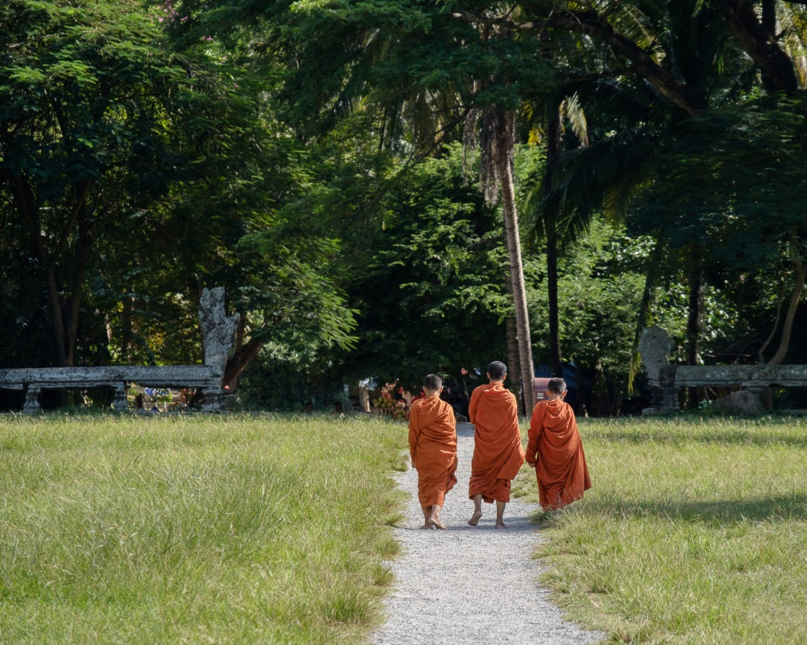 Des jeunes moines bouddhistes à Angkor Wat (Cambodge)