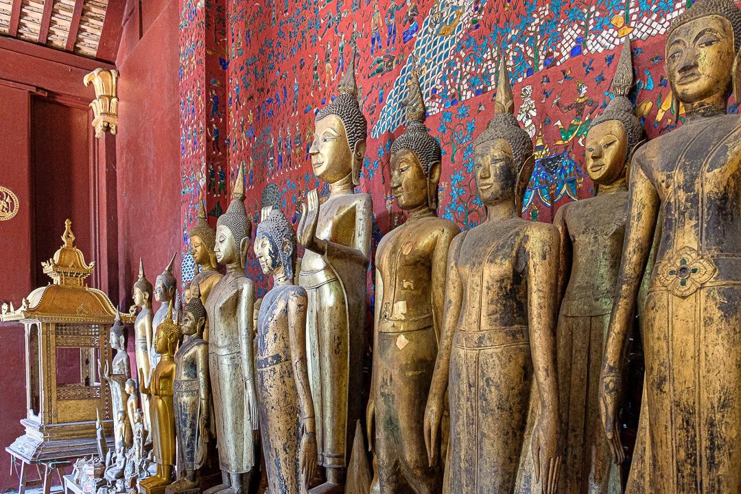 Statues dans les temple Vat Xieng Thong à Luang Prabang, Laos