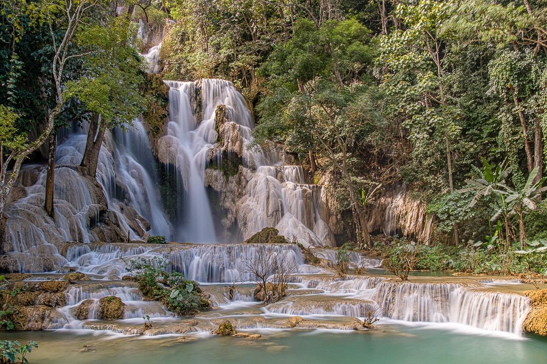 La cascade de Kuang Si se trouve à environ 30 km de Luang Prabang.