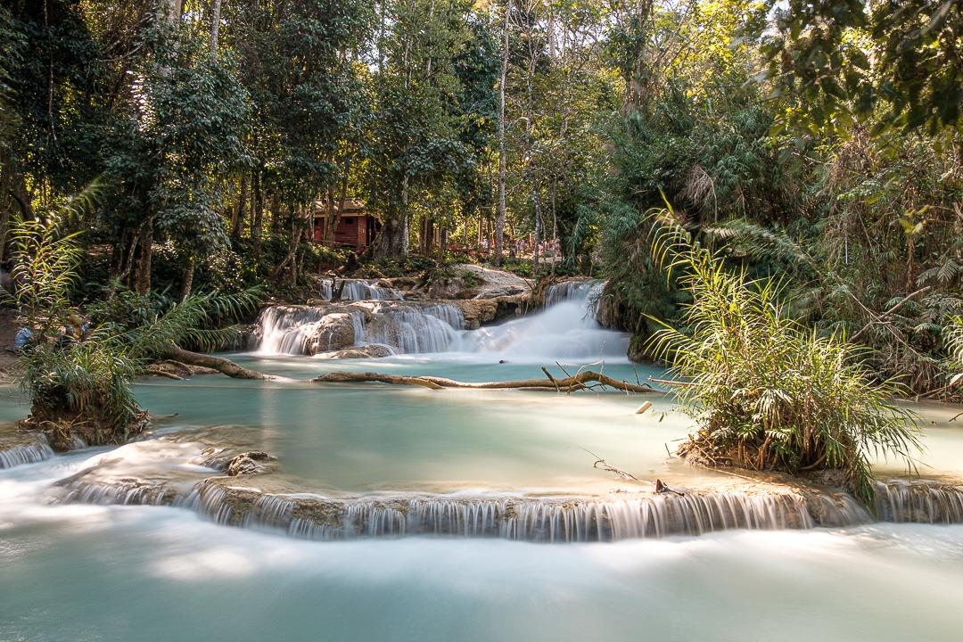 Les chutes d'eau de la cascade Kuang Si à Luang Prabang